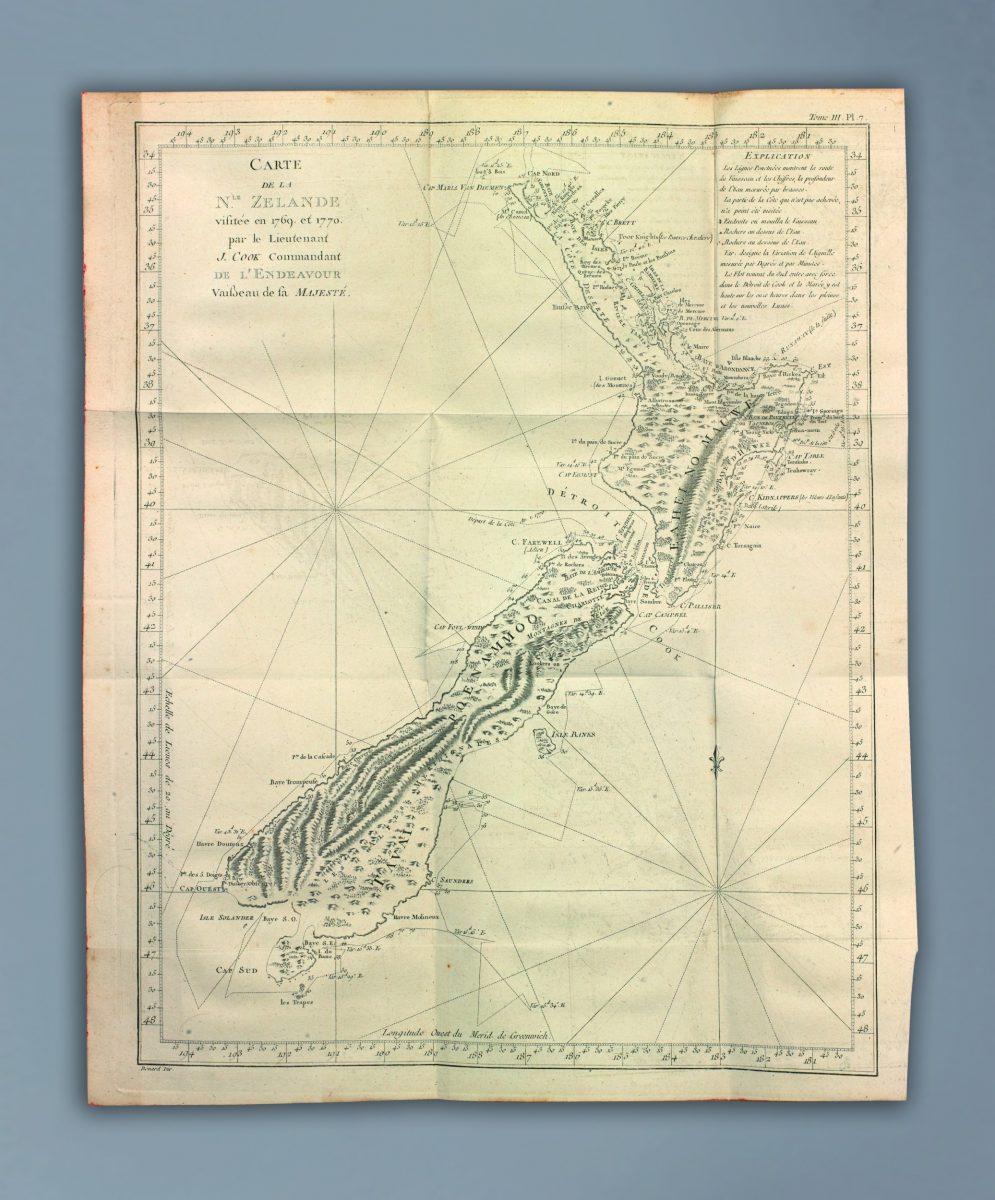 sztuczny atlas z map i widoków